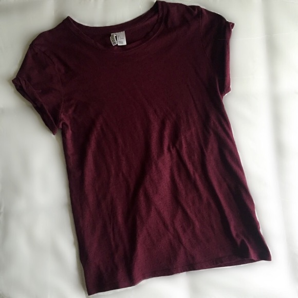 H&M Tops - Plum Divided Tee