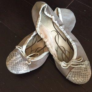 Snake skin toe ballet flats
