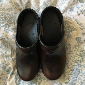 Dansko Shoes - Dansko Shoes