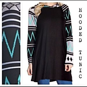 Tops - Hooded Fun Flowy Tribal Sleeve Tunic Top Small