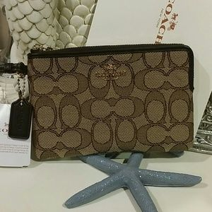 Authentic  Coach Wristlet New/ tag & Box