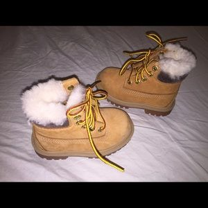 Toddler Girls timberland fur lined wheat boots o