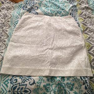 Barely worn Loft jacquard white skirt