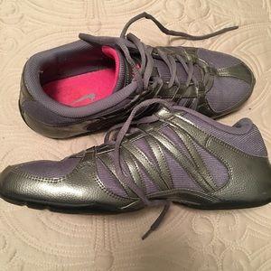 0873a5b8f7c395 Nike Shoes - Sz 9 Nike grey musique IV zumba dance sneakers