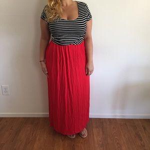Dresses & Skirts - B&W Stripped Red Maxi Dress