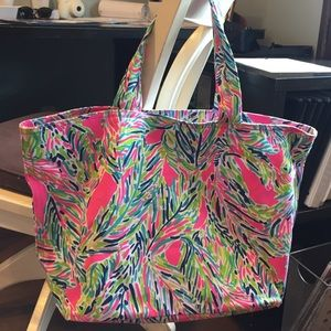 Lilly Pulitzer Handbags - Brand New Lilly Pulitzer tote bag