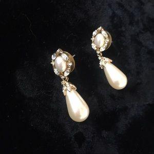 Vintage 8o's Teardrop Pearl & Rhinestone Earrings