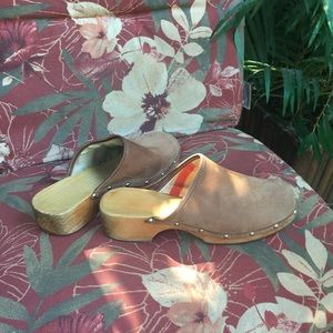Vintage leather clogs