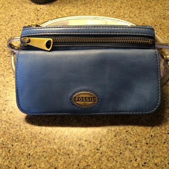 4ae96dfa3a5a Fossil Handbags - Fossil Explorer Clutch Wallet
