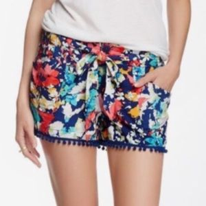 Floral print PomPom shorts with tie belt size 3