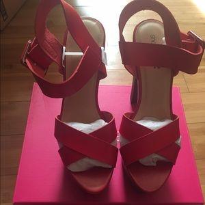 "BN-NW | Shoedazzle 6"" heels w/ 2"" platform | Red"