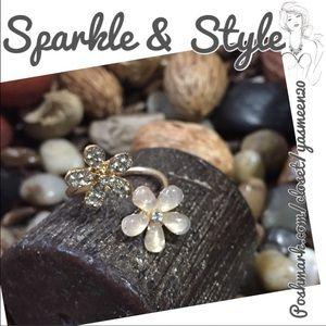 Jewelry - 🆕✨💖Flower ring💖✨