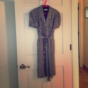 Button up silk dress, perfect and comfortable!