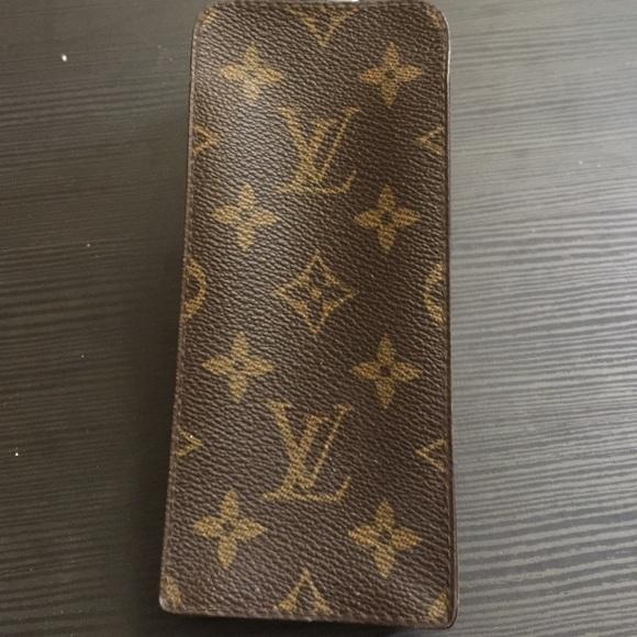 a8aaddbdc7c1 Louis Vuitton Accessories - Vintage Louis Vuitton glasses case