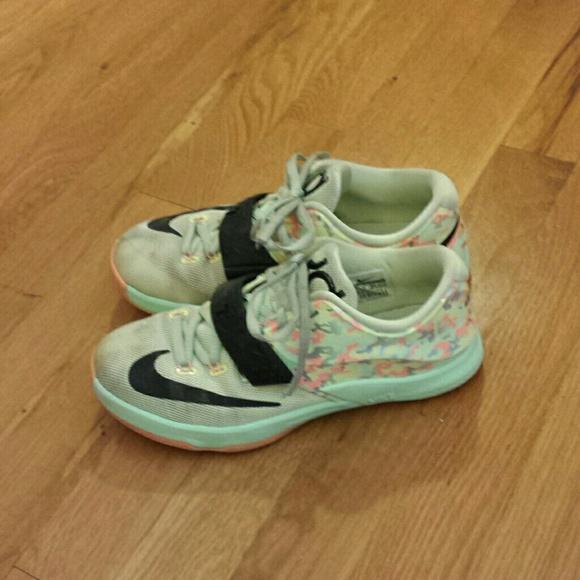 Boys Nike KD Kids Sneakers US Size 2.5Y