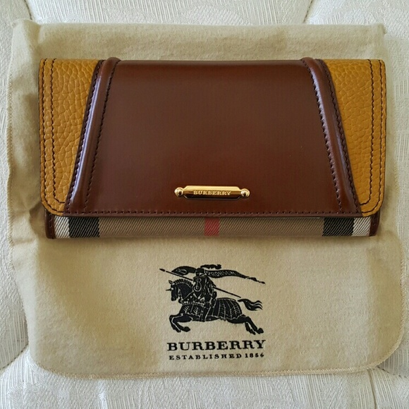871e454bf3c6 Burberry Handbags - NEW Burberry Bridle House Check Continental Wallet