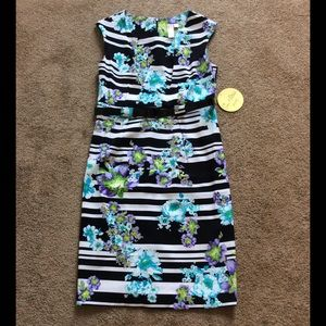 Emma & Michelle Dresses & Skirts - NWT Emma & Michelle Floral Belted Dress