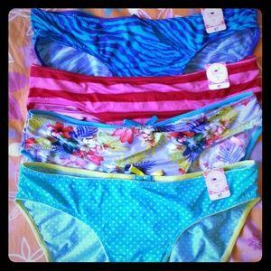 Macy's Intimates & Sleepwear - 6 Pretty Summer Panties size S