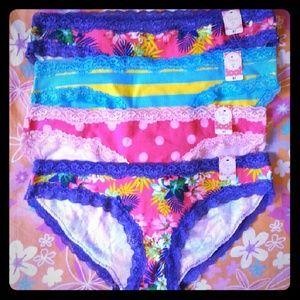 Macy's Intimates & Sleepwear - 7 Pretty Lace Panties size S