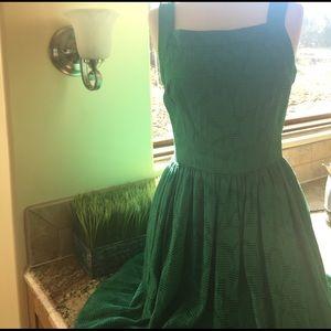 Dresses & Skirts - Green sleeveless dress
