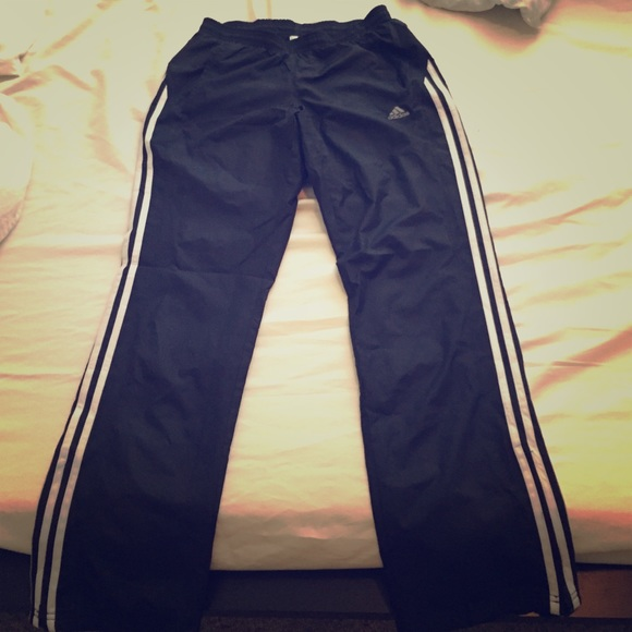 Adidas pantaloni femminili vento poshmark