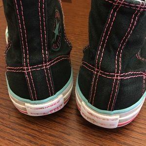 9bf199f3ac06 Converse Shoes - Converse kids size 1 Chuck Taylor 80 s retro vibe