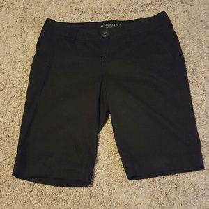NWOT Juniors Bermuda size 3