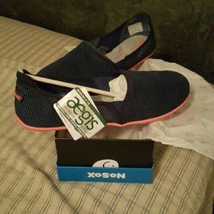 Shoes - Size 11 NoSox shoes