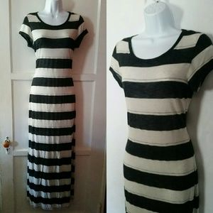 Forever 21 Dresses & Skirts - Striped Maxi Dress