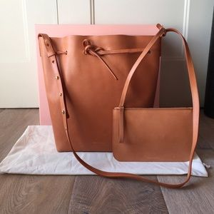 Mansur Gavriel Handbags - Mansur Gavriel Cammello bucket bag in Antico