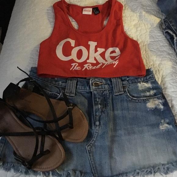 284dced0b38a6 H M Tops - Coca Cola crop top