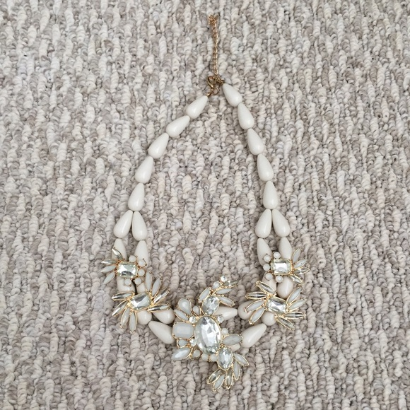 Jewelry - Cream Bead + Gem Elegant Statement Necklace