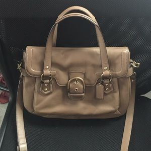 Coach Handbag! Excellent Condition, real leather!