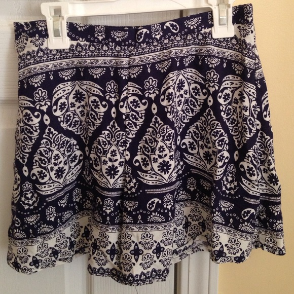 45% off Mudd Pants - Navy blue Paisley patterned flowy shorts from ...