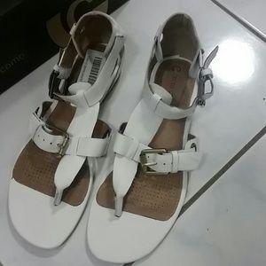 Corso Como Shoes - Corso Como White Leather Thong Buckle Sandals