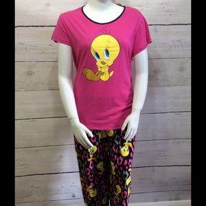 Looney Tunes Other - [Plus] Looney Tunes - Tweety Pajama Set