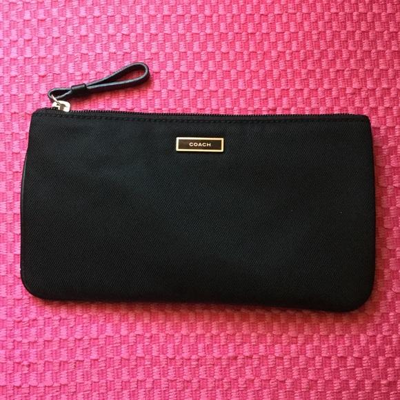 Coach Handbags - Coach Sateen Zippered Clutch 🌺