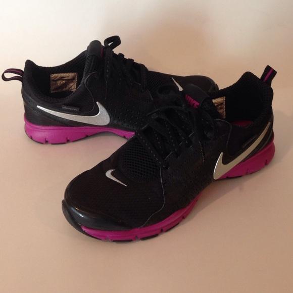 Nike Black & Hot Pick Tennis Shoes