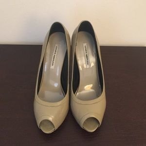 Kathryn Amberleigh grey green opentoe pumps size 6