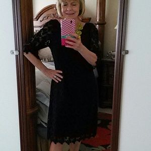 Lilly Pulitzer Dresses & Skirts - Lilly Pulitzer navy blue lace dress. Dress is