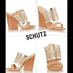 "Schultz Shoes - ♡♡ HOST PICK♡♡ NEW Schultz ""Spechio"" platina"