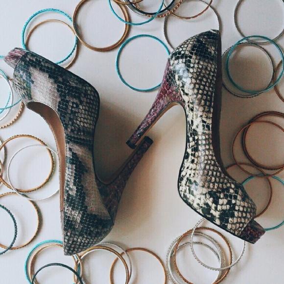 Steve Madden Shoes - Steve Madden Python Pumps