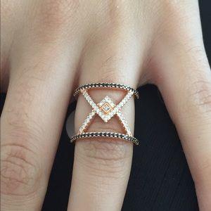 Jewelry - Stunning!!! Rose Gold Toned Rhinestone Ring