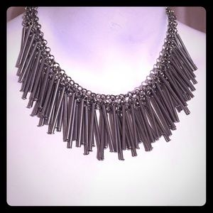 Jewelry - Silver dangle necklace
