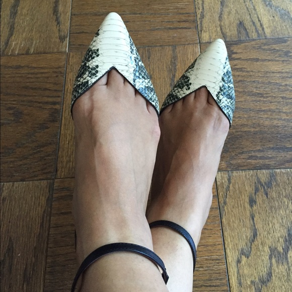 sast cheap price Tory Burch V-Cut Ankle Strap Fla... clearance best prices footlocker pictures sale online websites online clearance pay with visa nH9K8H
