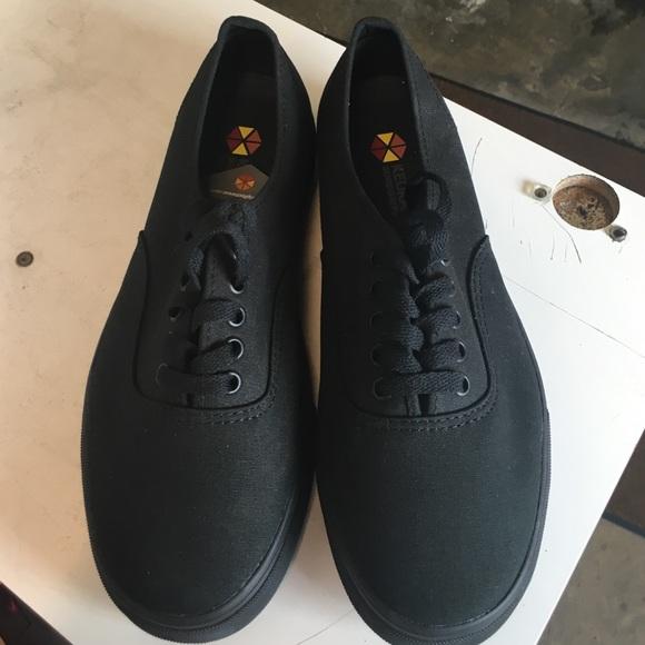 are vans slip resistant shoes