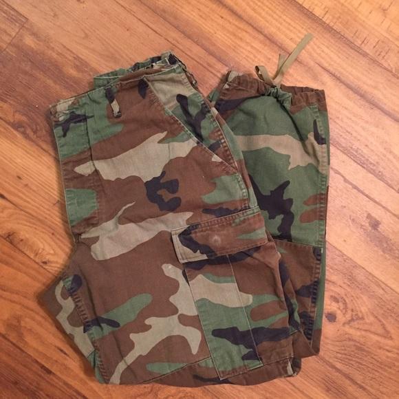 327880aac77c1 Army camouflage fatigue pants. M_577a7e457f0a05f25606e924