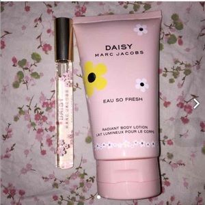 Marc Jacobs Daisy perfume and lotion bundle