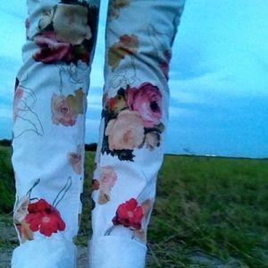 Insight Denim - Insight White floral pants size 29