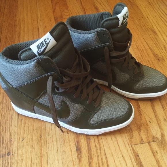 fe971af8e46 Nike Olive Green Wedge Sneaker. M 577ae2e2f0137dc6c2079c82